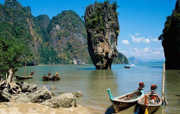 Вьетнам находится