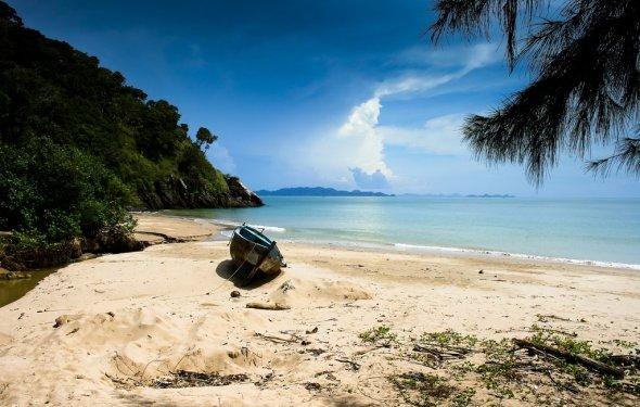 Пляж острова Ланта в Таиланде
